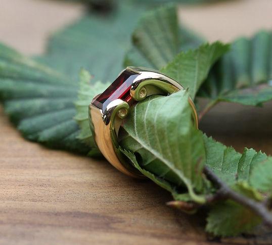 MaroeskaMetz_Jewels_Ring_Teuntje_leaf_03