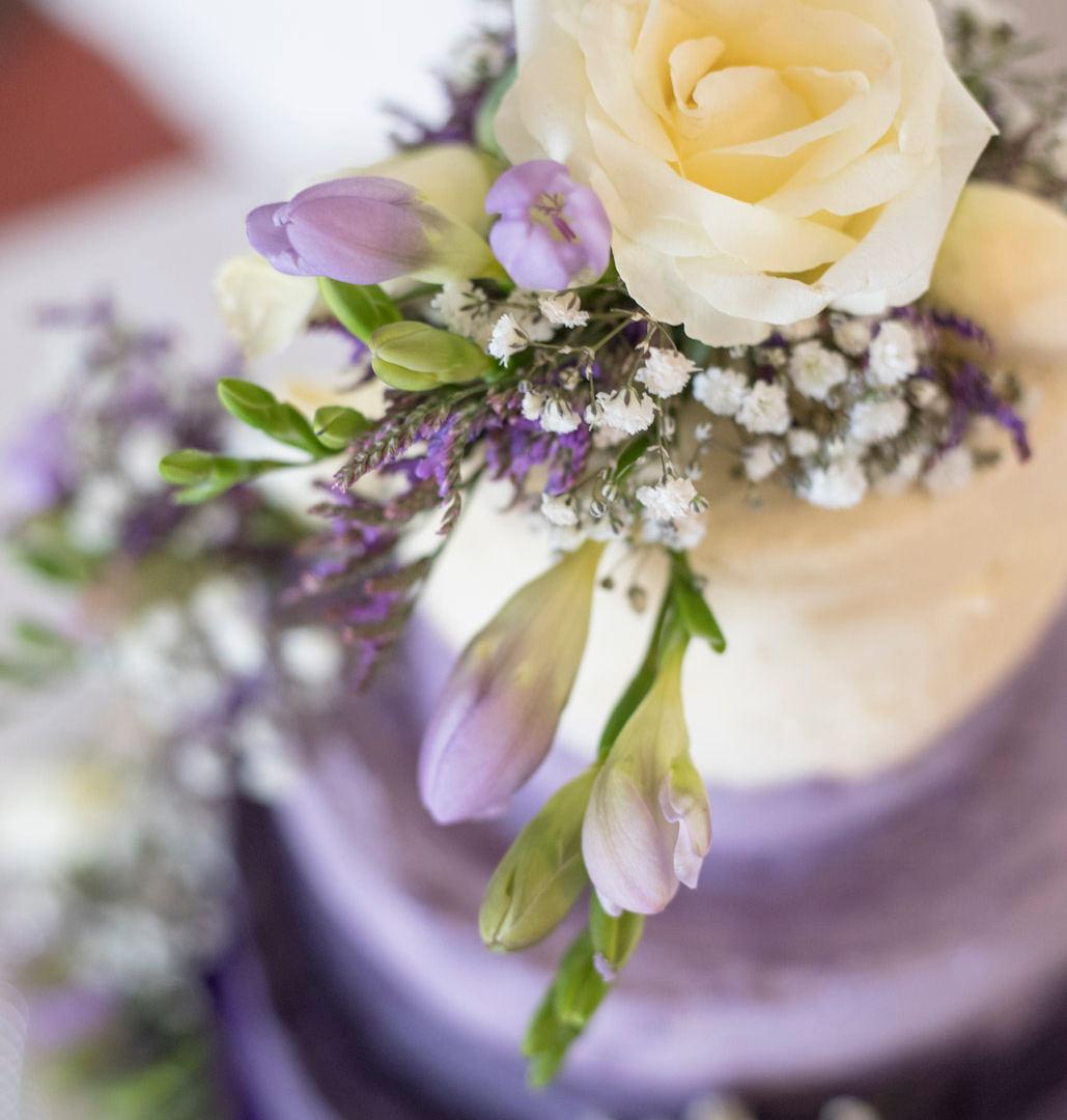 The Bull Wrotham Wedding Kent wedding photographer Tonbridge wedding photography