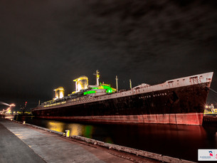 America's Flagship Goes Green: SS United States Lights Up for Philadelphia Eagles