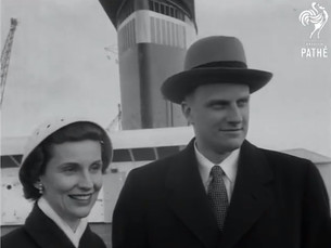 WATCH: American Evangelist Billy Graham Arrives in Britain Aboard the SS United States