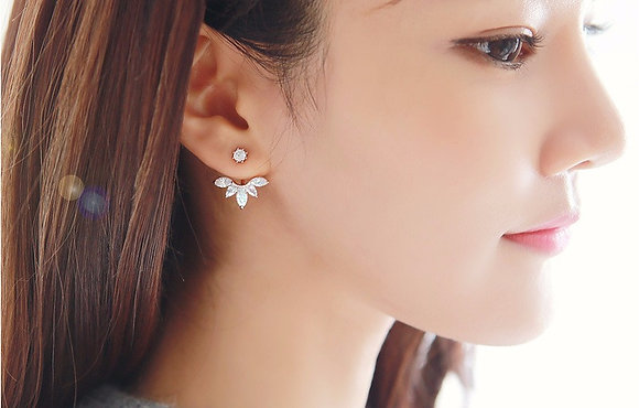 SILVER PLATED LEAF DESIGN STUD EARRING