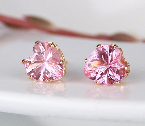 ROSE PINK HEART SHAPED CRYSTAL STUD EARRINGS