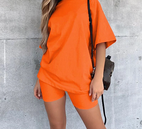 SOLID OVERSIZED T SHIRT AND BIKER SHORTS