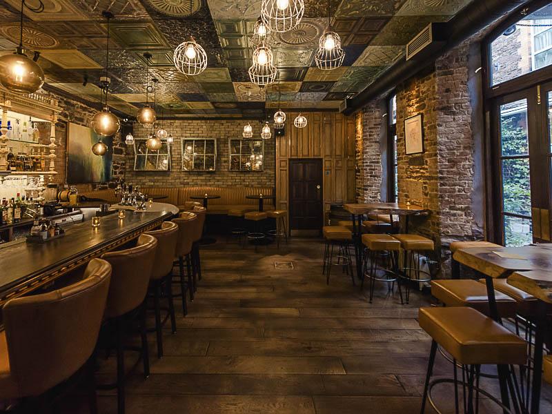 Cask_Bar_at_Hotel_Isaacs_Cork_Cocktail_bar_on_MacCurtain_Street