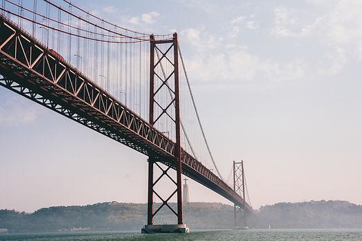 25 de Abril Bridge