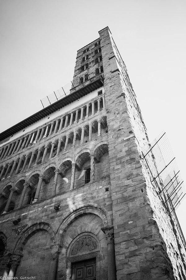 Turm dertausend löcher Arezzo