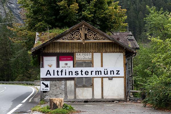 Grandhotel Hochfinstermünz Grand Hotels in den Alpen - magische Orte, in denen die Zeit stehen geblieben ist. Doch viele dieser glorreichen Kulturgüter verschwinden.– Das Ende einer Ära