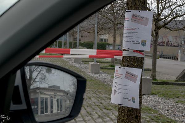 Covid Parkplatz gesperrt