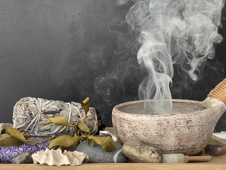 Räuchern als eine Methode der rituelle Hausreinigung