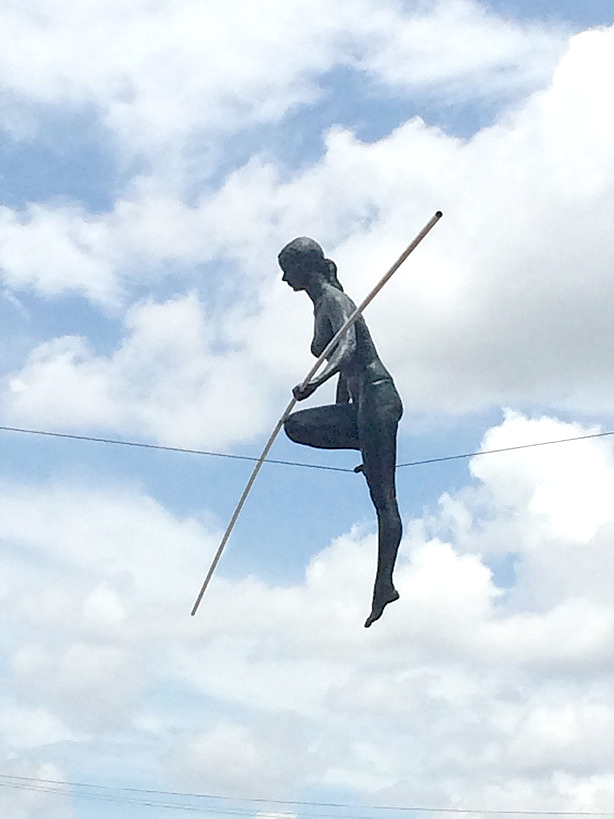 Tightrope walker (female)