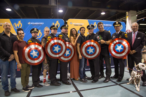 Superheroes Honor Public Safety Officers at Chicago Wizard World 2016: What Else Can We Do to Change