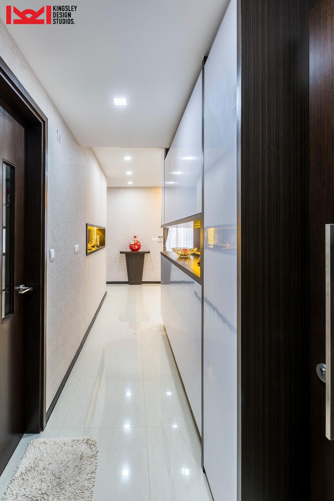 Foyer walkway