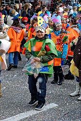 carnival-2470202_1920.jpg