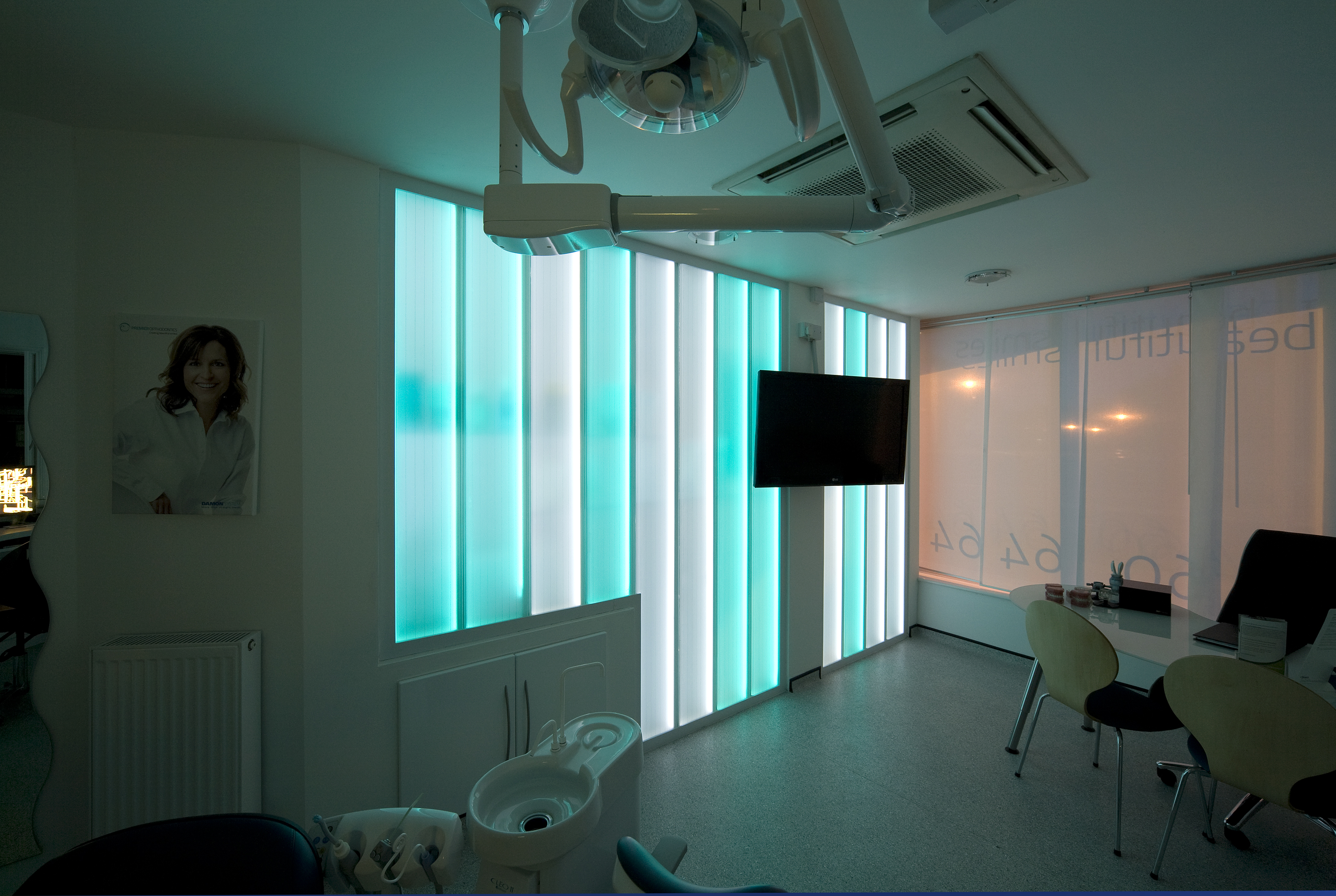 Premier Orthodontics Glass screen Lumaglass2