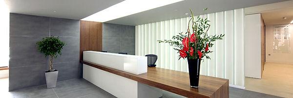 Connaught Place Illuminated U-profile Glass