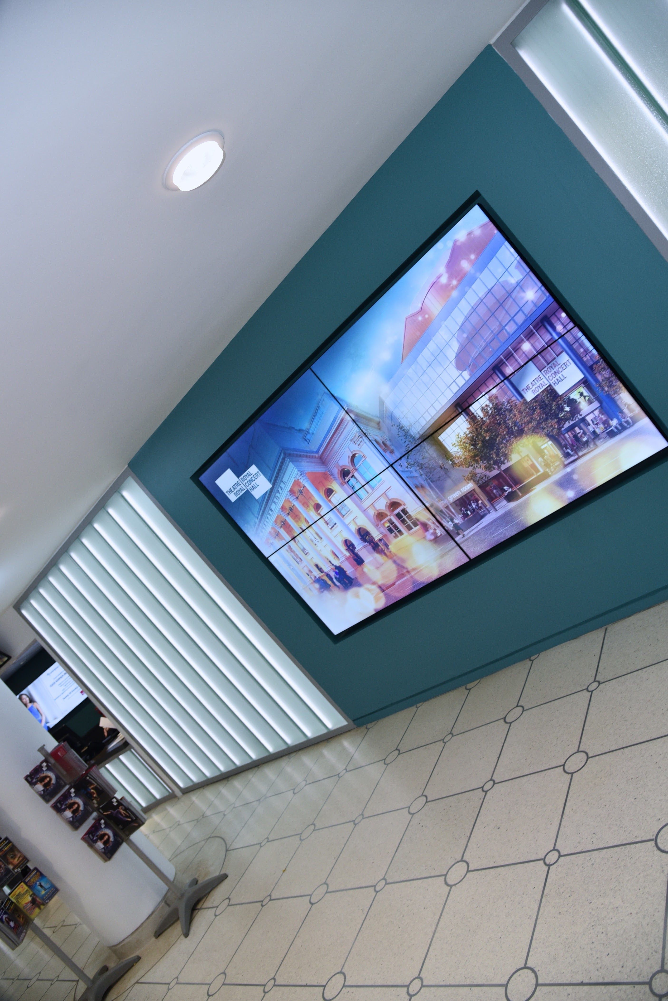 Nottingham Theatre Internally Lit Glass Screen4