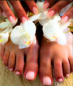 Füsse und Hände mit Gel