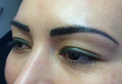 Brauen Permanent Make-up