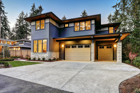 Luxurious new construction home in Belle