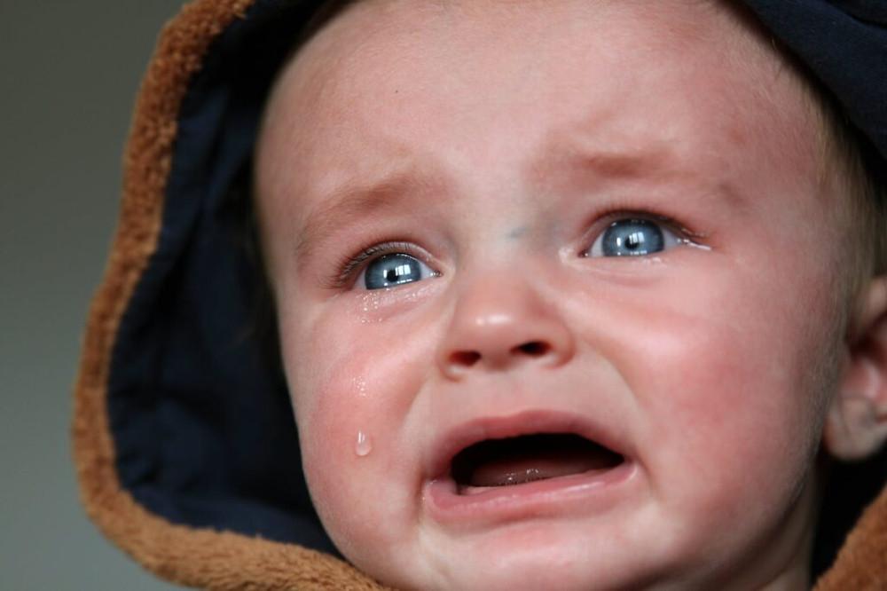 Bebekler ağlar, ama bazı bebekler abartmayı severler! Bebek neden ağlar? Ağlama bebeklerin tek iletişim kurma biçimidir.
