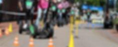 Hindernisparcours auf einer Straße