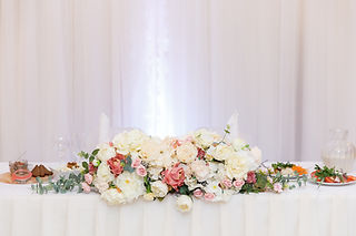 wedding-table-setting-decorated-with-flo