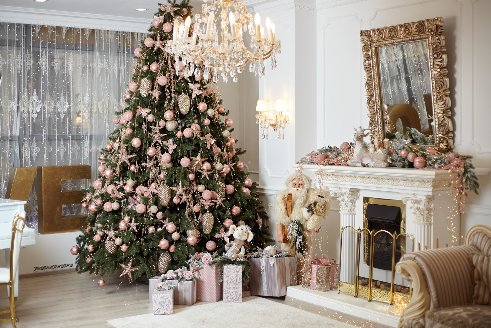 christmas-tree-standing-living-room-inte