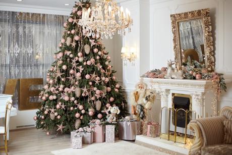 christmas-tree-standing-living-room-inte