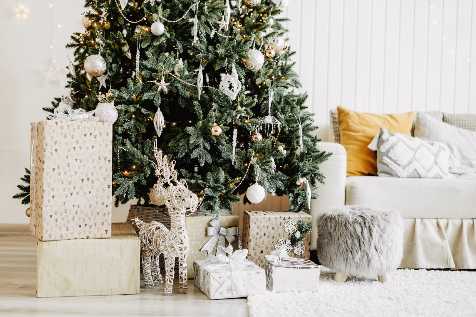 decorated-christmas-room-with-gifts.jpg