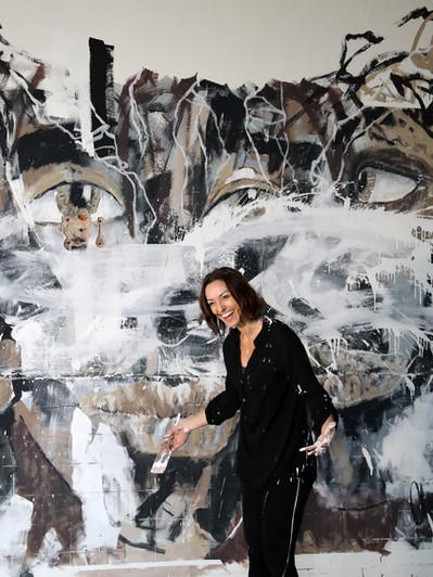 Das fantastische Mural übermalen