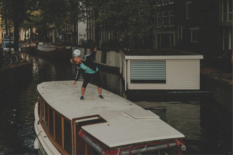 #PlayAnywhere – on a canal boat in Amsterdam
