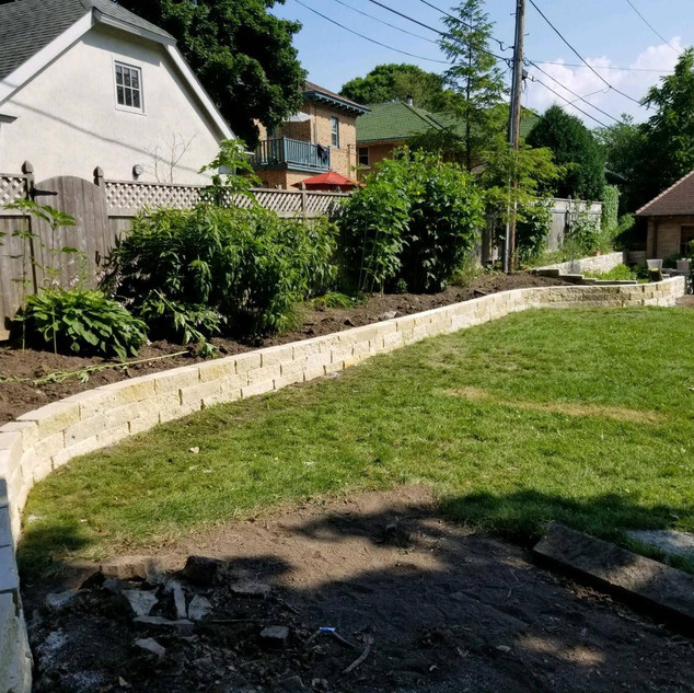 Wallstone retaining wall - Shorewood