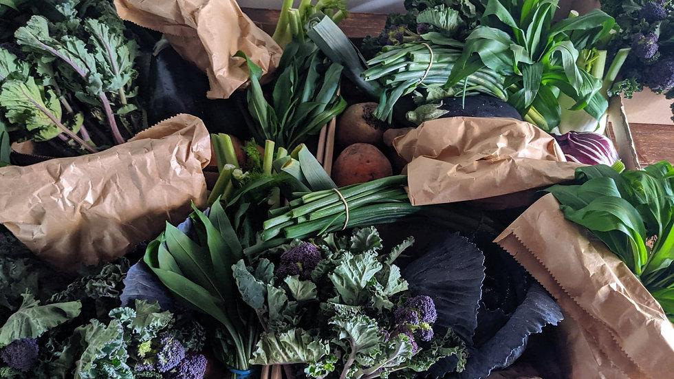 Mixed organic vegetable box