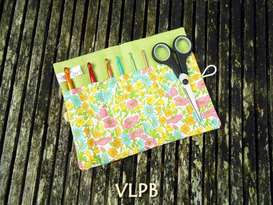 Trousse pour crochets lin liberty poppy and daisy