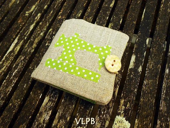 Nécessaire à couture lin et  coton pois fond vert