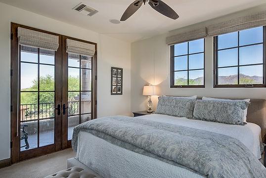 027_Bedroom En suite 2.jpg