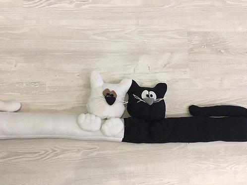 Paraspifferi gatti bianco e nero
