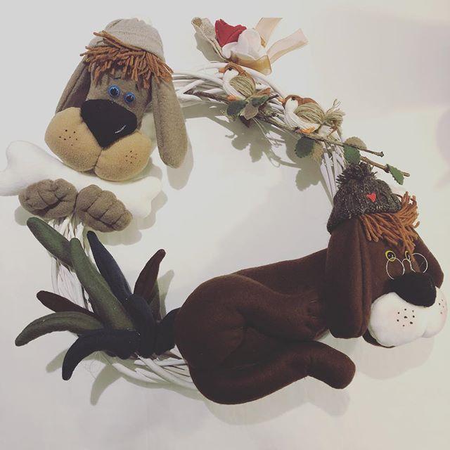Ghirlanda fuori porta cani .... 🐶🐶🐶🎄🎄... uno dei lavori handmade più impegnativi della stagione