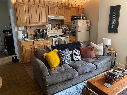 217_5_livingroom.jpg