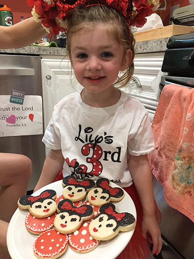 lily and minnie mouse cookies-sm.jpg