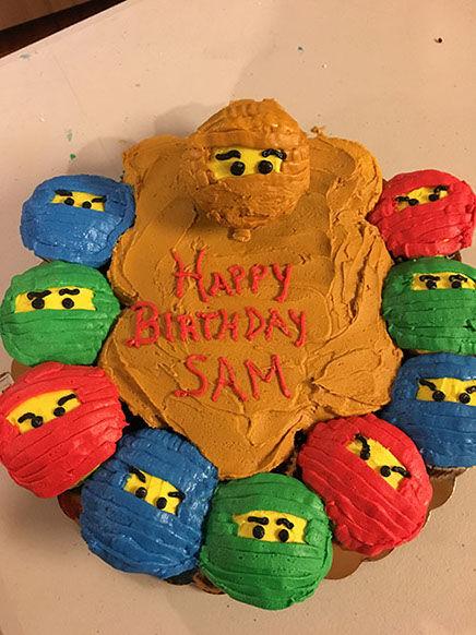 cupcake cake 5-sm.jpg