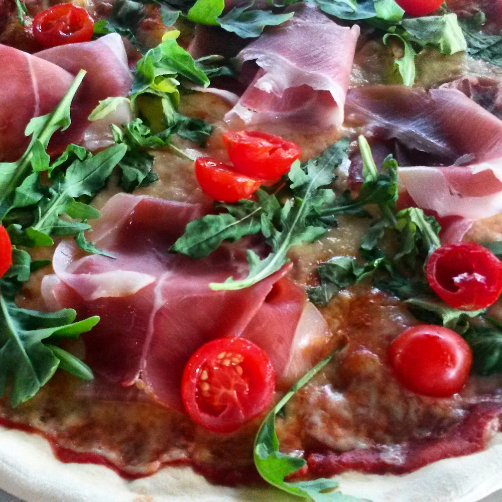 proscuitto and rocket pizza at Snežana in belgrade