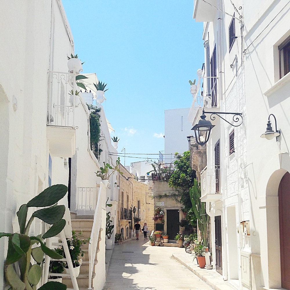 Old town Monopoli's whitewashed streets