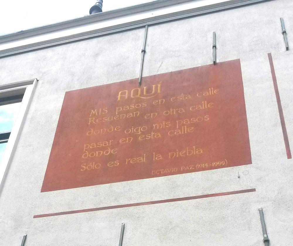 peotry on buildings in Leiden