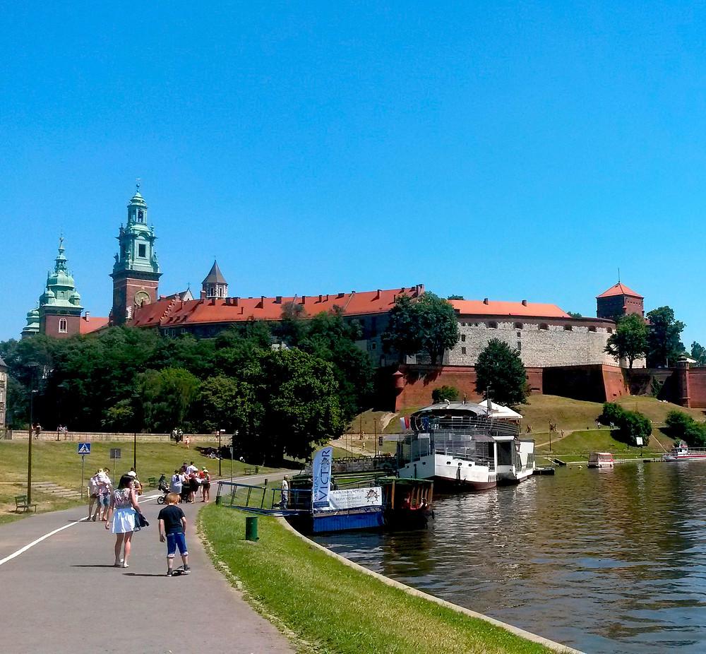krakow castle and river