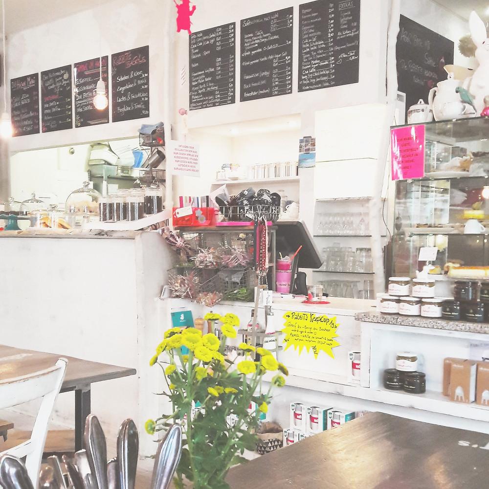 white rabbit's room cafe munich
