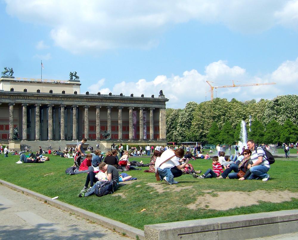 green in front of berliner dom in berlin