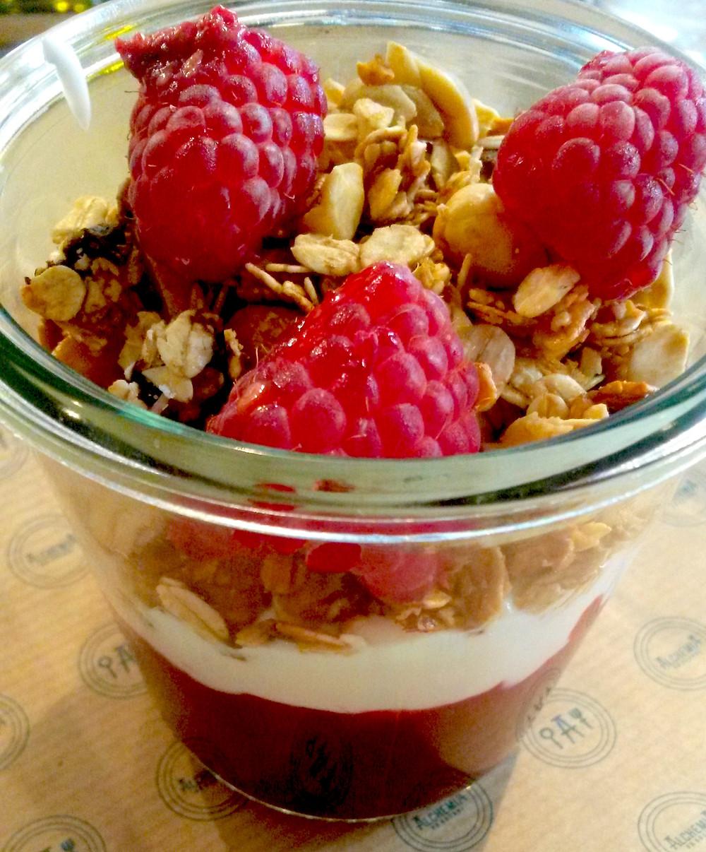 berry muesli Alchemia Od Kuchni