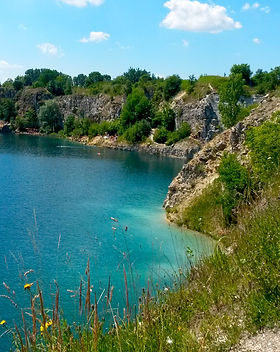 do-krakow-quarry-swimming-zakrzówek.jpg