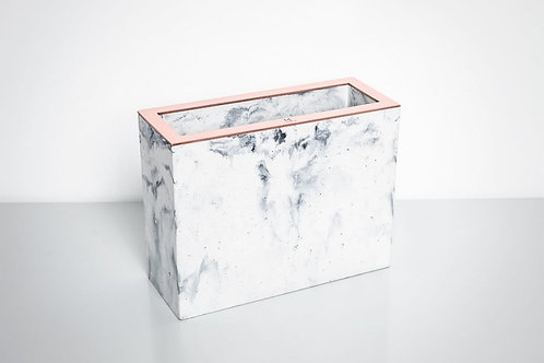 Stačiakampė marmurinė vaza